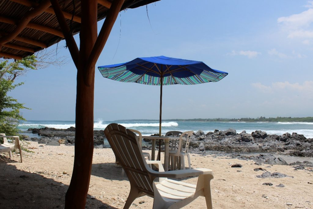 discover troncones saladita majahua mexico playa reservaciones hospedaje ixtapa guerrero travel near me booking hotel cheap hotel beach umbrella majahua