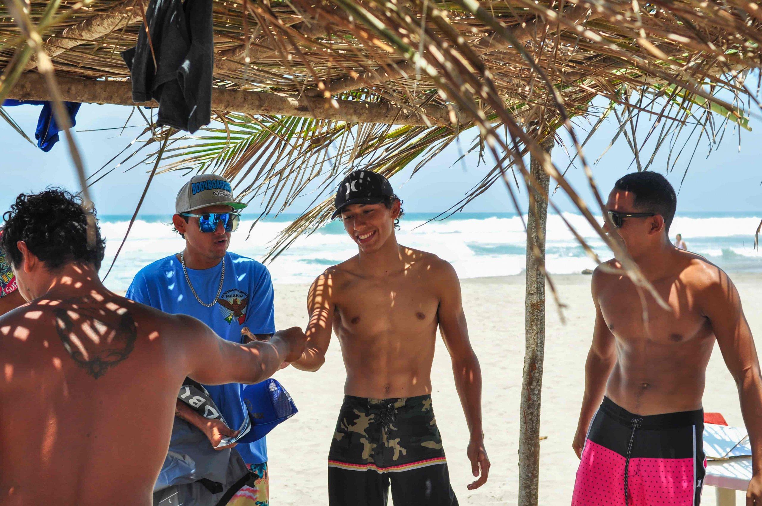 torneo bodyboard tournament discover troncones saladita majahua mexico playa reservaciones hospedaje ixtapa guerrero travel near me booking hotel cheap hotel